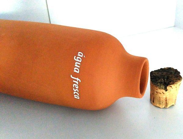 Garrafa de água em barro, artesanal - Barro & Design
